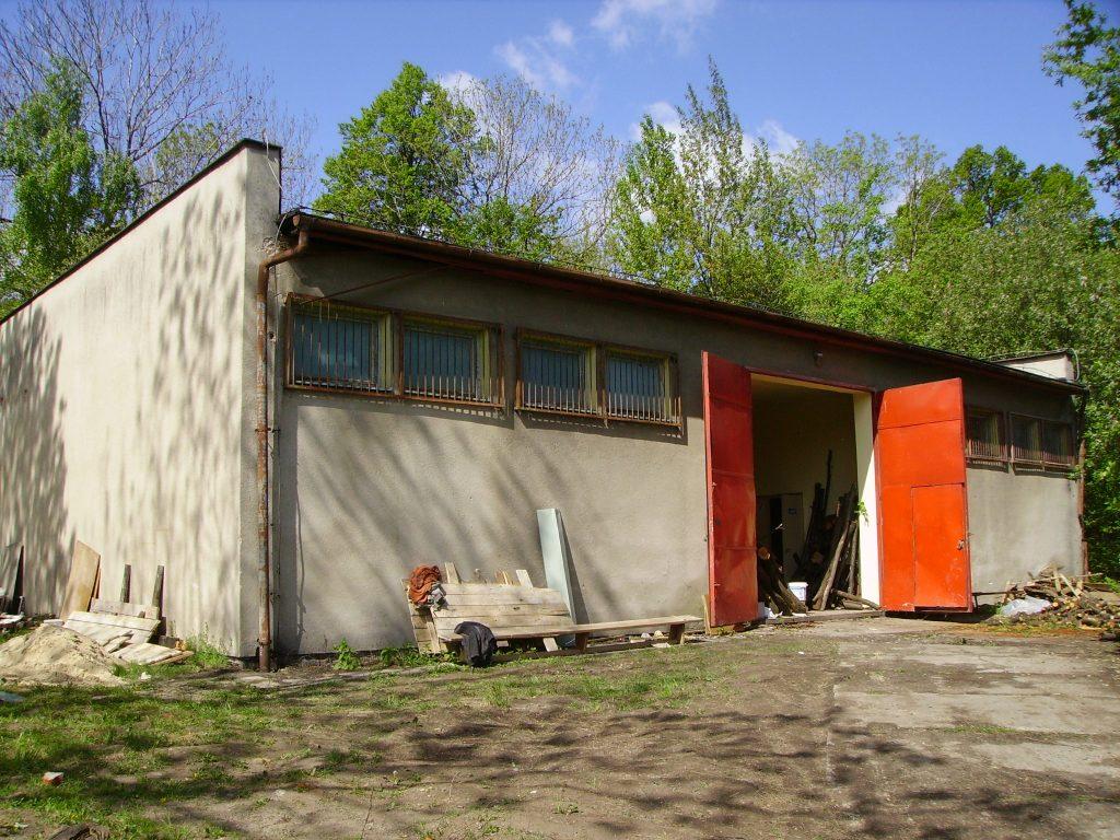 budynek-techniczny-przed-przebudowa